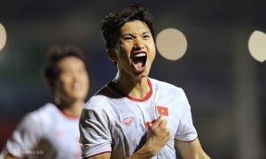 Star defender boasts six Vietnamese football records